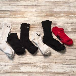 DY31 Nike under armor socks